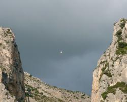 La chaine entre 2 montagnes, Moustiers-St-Marie